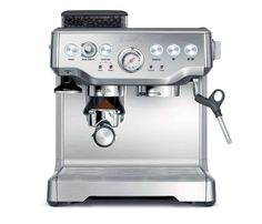 ease dispensing coffee and drinking coffee with the Breville BES860XL | CoffeeCangkir