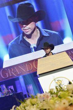 kenny chesney speaks at george jones funeral | singer Kenny Chesney speaks at the funeral service for George Jones ...