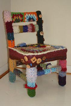 Chair-y bomb (No. 3) Donna Okoro  (mssunflwr.etsy.com)  #yarn #bomb #yarnbomb #guerilla knitting
