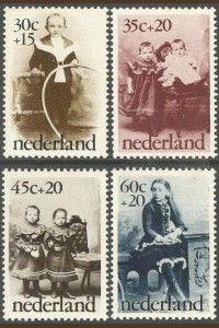 Kinderpostzegels_517ae91ea4944-200x300.jpg (200×300)