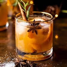 Fun Drinks, Yummy Drinks, Alcoholic Drinks, Beverages, Bourbon Old Fashioned, Old Fashioned Drink, Cocktails Champagne, Honey Bourbon, Honey Syrup