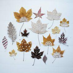 New Painting Tree Leaves Leaf Art Ideas Leaf Crafts, Diy And Crafts, Arts And Crafts, Paper Crafts, Autumn Crafts, Nature Crafts, Deco Nature, Theme Noel, Painted Leaves