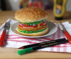 Artfully drawn –with Edding markers– burger