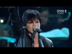 Dolores O'Riordan & Sinfonia Varsovia - Zombie ( Live in Warsaw ) - YouTube Zombie Live, Best Rock Music, Dolores O'riordan, Old Music, All Songs, Beautiful Songs, Warsaw, First Love, Music Videos