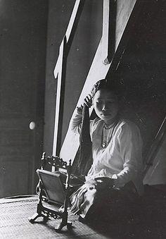 1919-1926 Jeune femme (se coiffant)