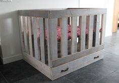 Stoere box! Splintervrij steigerhout! Stoer en op maat! In diverse kleuren! Ook voor tweelingen, drielingen en meer! Babykamer. Nursery. Babybox.