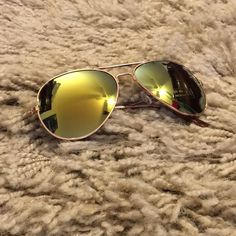 New gold aviator green mirror lens sunglasses New in package-gold tone-green, yellow mirror blend Accessories Glasses