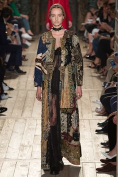 Valentino Fall 2016 Couture Fashion Show - Maartje Verhoef (Women)