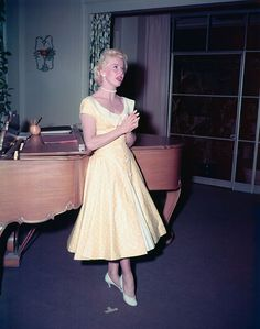 Doris Day on set of Lucky Me