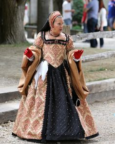 renaissance fair dress