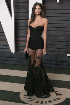 Emily Ratajkowski black sheer dress at Vanity Fair Oscar Strapless sweetheart neckline, sheer skirt with lace appliques. Sexy Outfits, Sexy Dresses, Beautiful Dresses, Evening Dresses, Prom Dresses, Fashion Outfits, Formal Dresses, Lace Dresses, Mode Outfits