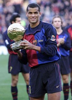 """Rivaldo"" Rivaldo Vítor Borba Ferreira, born 19 April Brazilian attacking midfielder or second striker, FC Barcelona He won the Ballon d'Or Club Football, Football Awards, Legends Football, Football Drills, Football Icon, Best Football Players, Good Soccer Players, World Football, Soccer World"