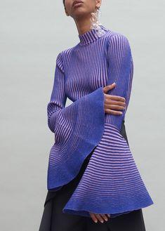Knit Fashion, Runway Fashion, High Fashion, Womens Fashion, Fashion Trends, Knitwear Fashion, Curvy Fashion, Fall Fashion, Fashion Tips