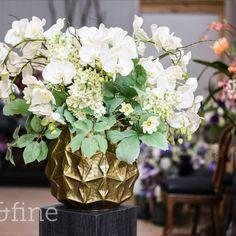Zum Verwächseln ähnlich! Wir liefern dir in dem gewünschten Abstand neue Arrangements aus künstlichen Blumen. Zudem sind unsere Abos sogar günstiger als Schnittblumenabos! Und auch noch nachhaltiger, denn wir kombinieren unsere Floristik immer wieder neu.