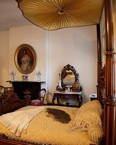 Looking for an educational volunteer experience? We're recruiting docents for the 1850 House Museum!