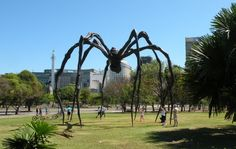 Louise Bourgeois - Maman - Rio de Janeiro - Brazil Louise Bourgeois, Moving Out, Off The Wall, Artworks, Eye Candy, Sculptures, Art Gallery, Sidewalk, Community