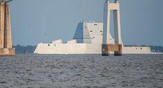 Le navire américain dernier cri tombe en panne au Panama, une fois de plus Le destroyer lance-missiles furtif de nouvelle génération USS Zumwalt, dont le coût a dépassé quatre milliards de dollars …