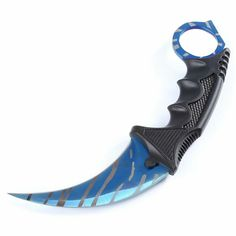 CS GO Knife Claw Blue Shark https://www.casusbelli-france.fr/products/couteau-griffe-tactique-counter-strike-go
