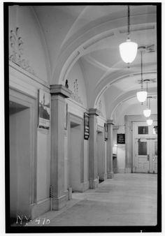 Historic American Buildings Survey, Arnold Moses, Photographer June 24, 1937, FIRST FLOOR CORRIDOR LOOKING SOUTH. - U. S. Custom House, 28 Wall Street, New York, New York County, HABS NY,31-NEYO,53-8.tif