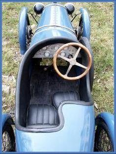bugatti – l'univers des voitures à pédales et à moteur pour