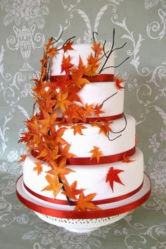 Fall Wedding Cakes with Leaves   http://simpleweddingstuff.blogspot.com/2014/06/fall-wedding-cakes-with-leaves.html