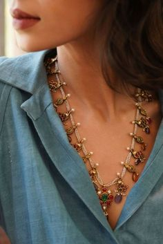 You do things… Antique Jewelry, Beaded Jewelry, Jewelry Necklaces, Gold Jewelry, Emerald Jewelry, Trendy Jewelry, Jewlery, Fine Jewelry, Pearl Necklace Designs