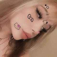 imagen descubierto por ᭃ⸙꒰αη͓χ⒤єт͓у⚝⃢๋໋͓░. Descubre (¡y guarda!) tus propias imágenes y videos en We Heart It Edgy Makeup, Cute Makeup, Makeup Looks, Hair Makeup, Grunge Makeup, Bad Girl Aesthetic, Aesthetic Makeup, Aesthetic Grunge, Alternative Makeup