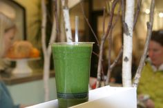 celebrity nutritionist, Linehan recipes- green juice: celery, cucumber, romaine, kale.  green smoothie: pear, parsley, water