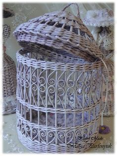 Cesta de papel de periódico  -  newspaper Basket