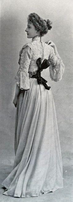 1901 April, Les Modes Paris - Town dress by Laferrière