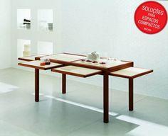 """Essa mesa """"esconde"""" diversas extensões, que podem ser usadas somente na hora das refeições."""