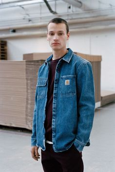 Carhartt WIP Goes 'Cabin-Ready' for Its 2017 Fall/Winter Collection Carhartt Denim Jacket, Carhartt Workwear, Carhartt Shirts, Carhartt Wip, Carhartt Work In Progress, Photography Poses For Men, Workwear Fashion, Work Shirts, Outfits
