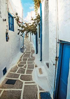 Streets of Chora Ios | Greece  https://www.liostasi.gr/