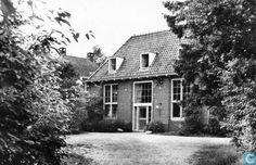 Jeugdherberg de Heidebloem in Soest. Met de trein (derde kkasse, houten banken) drie dagen op schoolreisje.