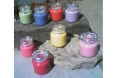 The best DIY projects & DIY ideas and tutorials: sewing, paper craft, DIY. Diy Candles Ideas & Wax melts In order to make strongly scented soy candles, you must use essential oils that are 100 percent pure. The strength of the Mini Candles, Soy Candles, Candle Jars, Essential Oil Candles, Essential Oils, Homemade Scented Candles, Pot Mason, Mason Jar, Perfume Diesel
