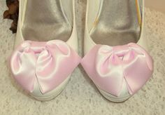 Vintage Style Shoe Clips Satin Bows Light Pink by ShoeClipsOnly, $22.00--can make this!? & transform Any pump!?