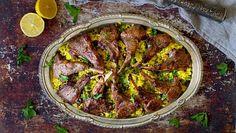 Pääsiäisen pöytään sopivat hyvin marokkolaisittain maustetut lampaan kyljykset.