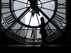 """""""Relógio que atrasa não adianta."""" (Jorge Medauar)"""