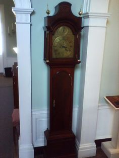 1725 - English baroque grandfather clock with red lacquer