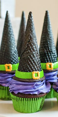 LOOKandLOVEwithLOLO: LIFESTYLE Halloween Witch Hat Cupcakes