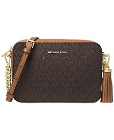 Add a dose of timeless style to any look with the gorgeous MICHAEL Michael Kors Signature Camera Bag. Unique Handbags, Popular Handbags, Cute Handbags, Cheap Handbags, Handbags Michael Kors, Purses And Handbags, Luxury Handbags, Luxury Purses, Luxury Belts