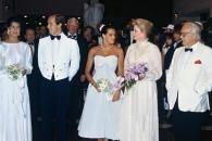 Le 30 juillet 1982, Grace illumine de sa présence Le Bal de la Croix Rouge,   une de ses nombreuses activités dans   les domaines sociaux, environnementaux et culturels. Un
