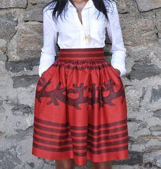 JUPE imprimée africain-la jupe de Laura    # 10049    DESCRIPTION DU PRODUIT    La jupe Laura Mini dispose dun beau gras faits à 100 % de Wax