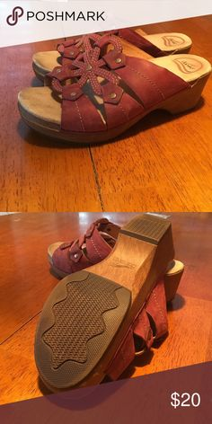 Dansko sandal clogs Very comfortable and great looking on. Great condition...you will love these shoes! Dansko Shoes Mules & Clogs