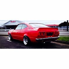 #ke35 #classic #corolla #ducktail #timelessrides #toyota #jdm Toyota Cars, Toyota Hilux, Toyota Corolla, Corolla Ke30, Retro Cars, Vintage Cars, Toyota Starlet, Old Classic Cars, Import Cars