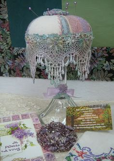pincushion   LOVE THIS!!! I'M GONNA START A COLLECTION OF PINCUSHIONS THAT I MAKE!!!
