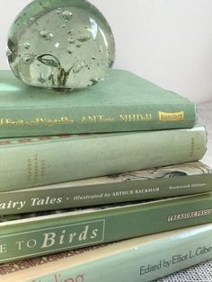 Mint Green Aesthetic, Aesthetic Colors, Book Aesthetic, Aesthetic Pictures, Aesthetic Pastel, Verde Vintage, Color Menta, Slytherin Aesthetic, Green Photo