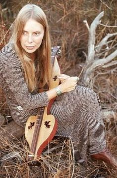 Joni mItchell is a great songstress and made it to this album with that awesome Dulcimer of hers!