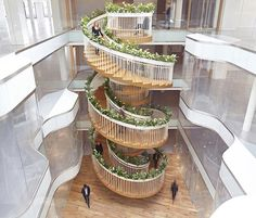 British designer, Paul Cocksedge, has created a beautiful spiral staircase for Ampersand, an office building in London's Soho area that's dedicated to creative businesses and green living. Staircase Pictures, Modern Staircase, Spiral Staircase, Staircase Design, Stair Steps, Stair Treads, Architecture Design, Beautiful Stairs, Stairway To Heaven