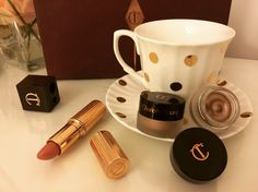 Charlotte Tilbury Cosmetics ⭐️ Eyes to Mesmerise / Penelope Pink Lipstick  (Beauty, Lifestyle, Make-Up) Image by: The Pretty Poetic